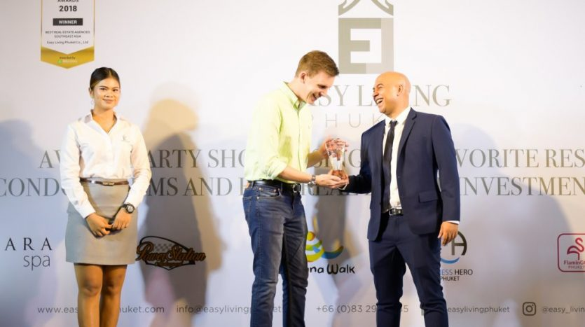 asa-marsh-accepting-award-top-ten-real-estate-agency-south-east-asia